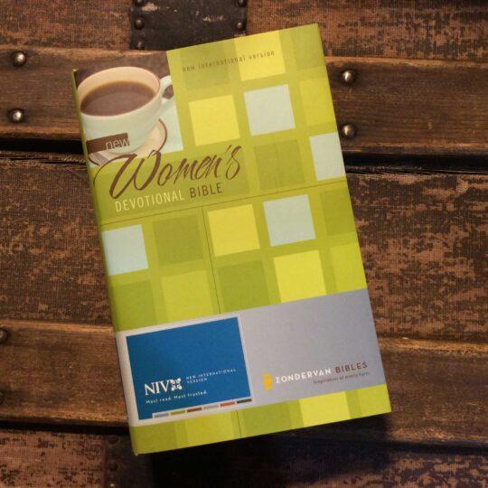 NIV New Women's Devotional Bible
