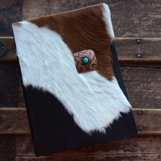 HCSB Study Bible, Brown and White Cowhide with Concho