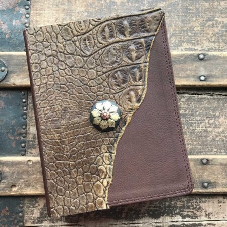 NIV Comfort Print Jesus Bible, Bronze and Black Flower Concho